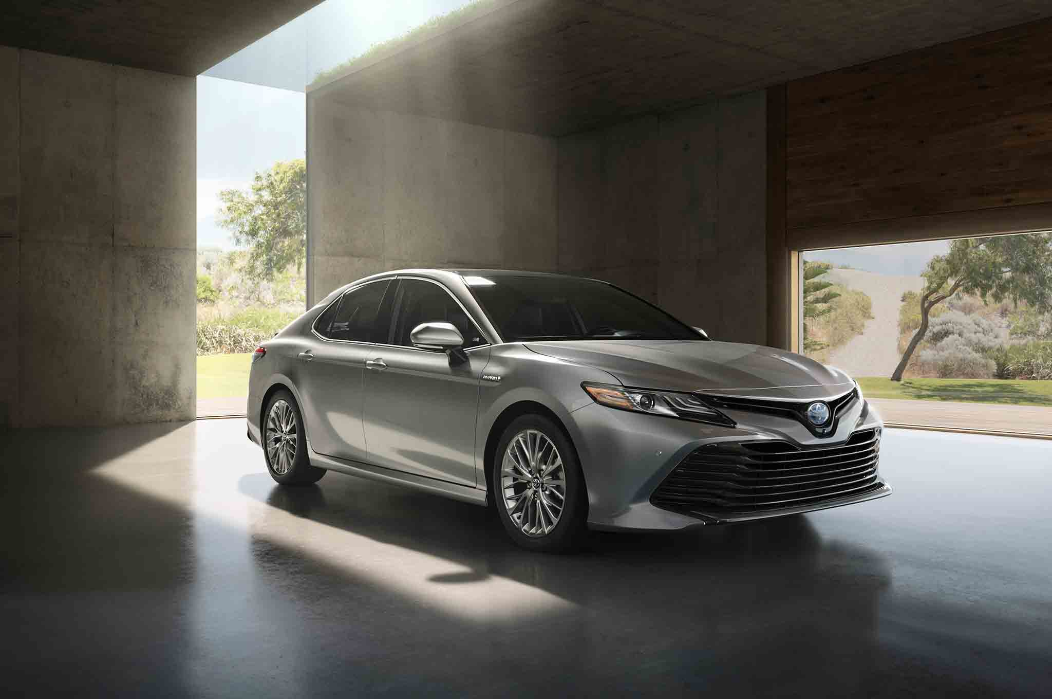 Sorry Android Auto and Apple CarPlay 2018 Toyota Camry to Use