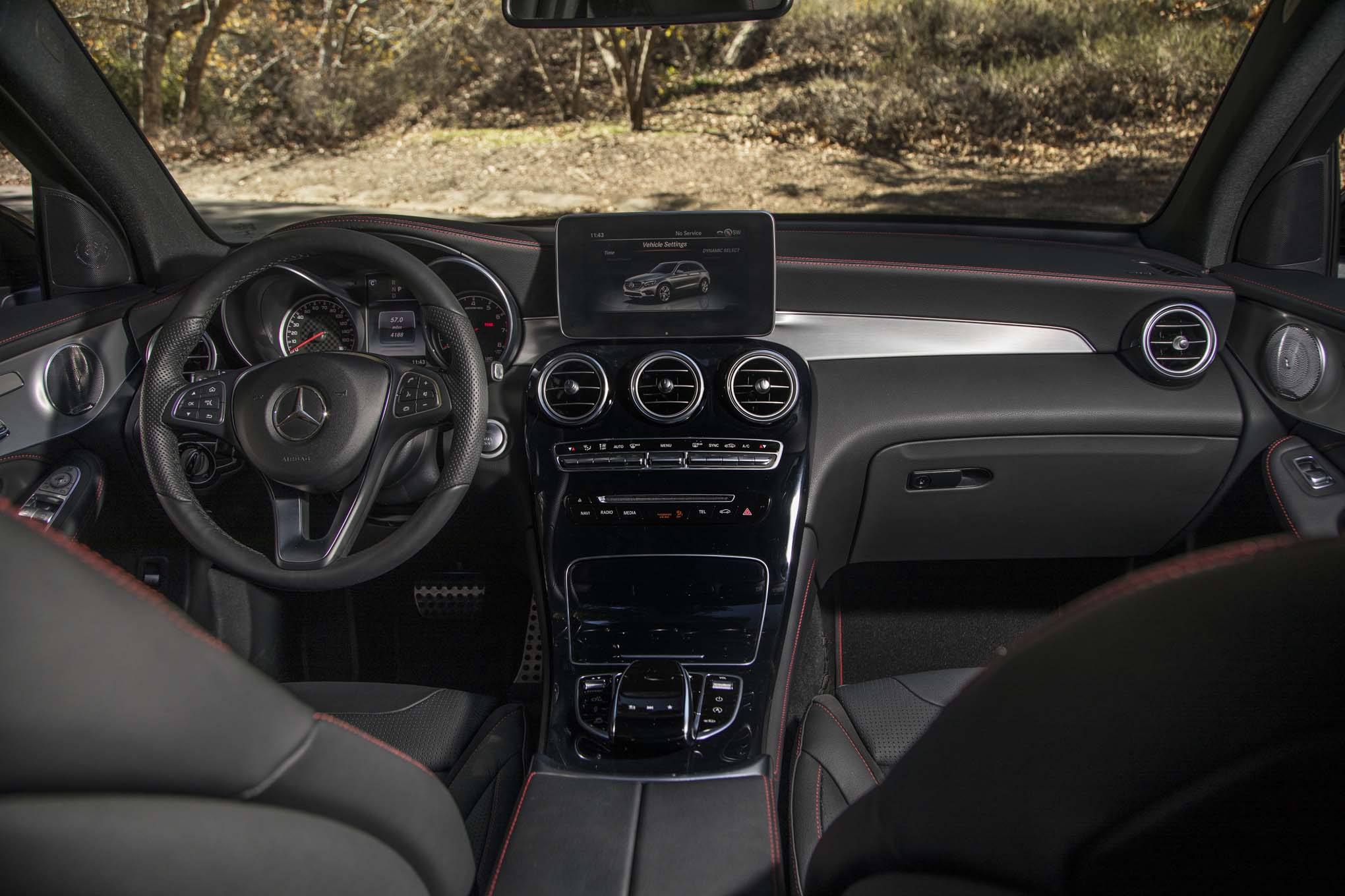 mercedes benz glc f cell mixes hydrogen and plug in hybrid. Black Bedroom Furniture Sets. Home Design Ideas