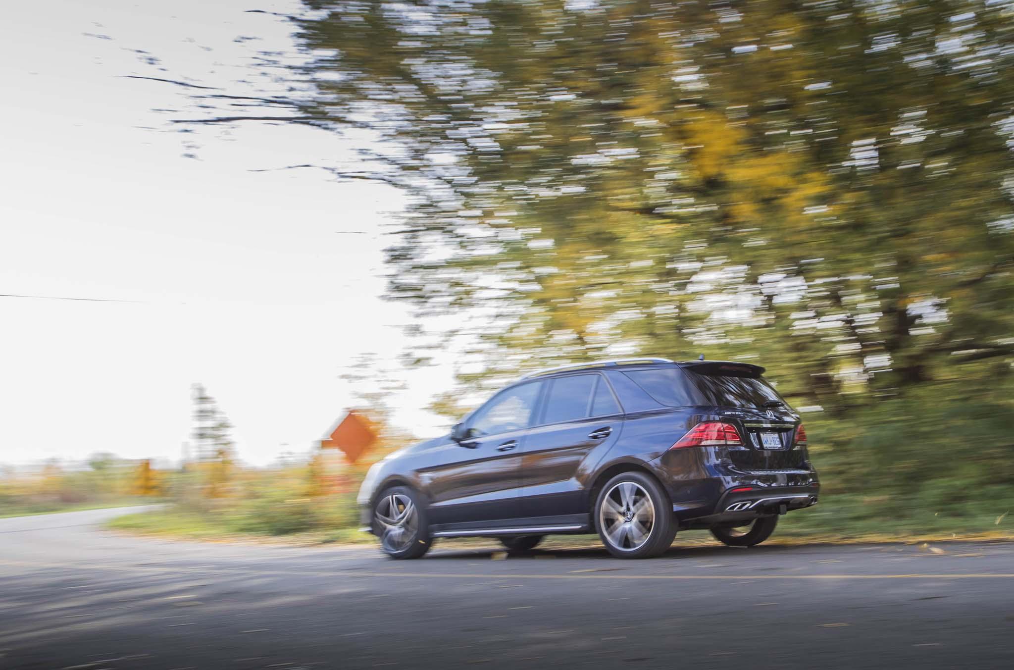 http://st.automobilemag.com/uploads/sites/10/2017/02/2017-Mercedes-AMG-GLE43-rear-three-quarter-in-motion-04.jpg