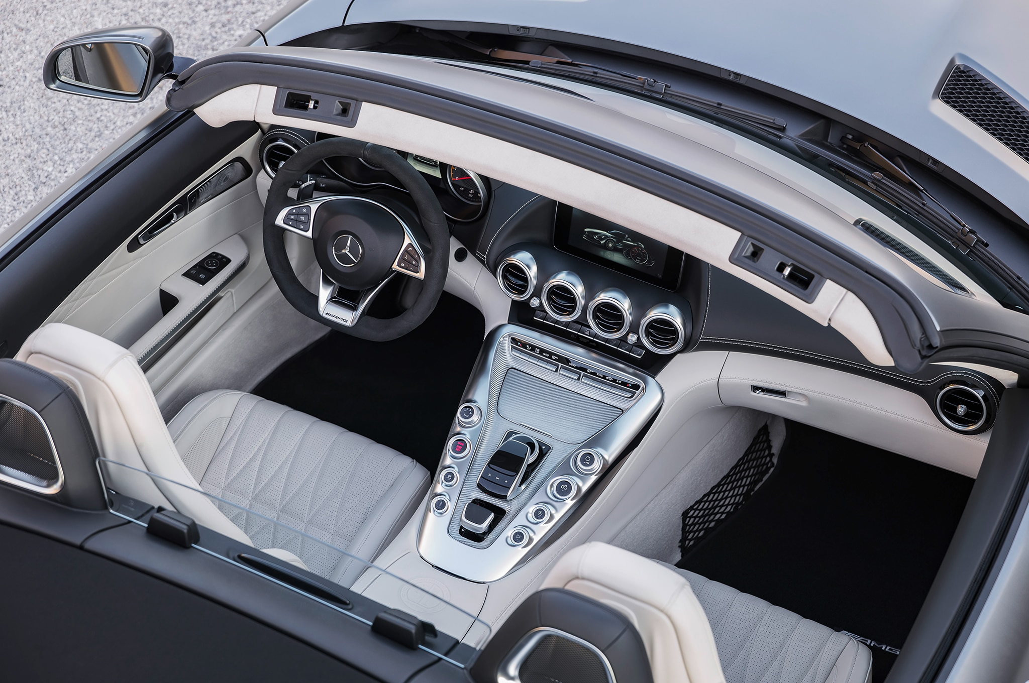 Alfa img showing gt sls amg gt roadster interior - 17 22
