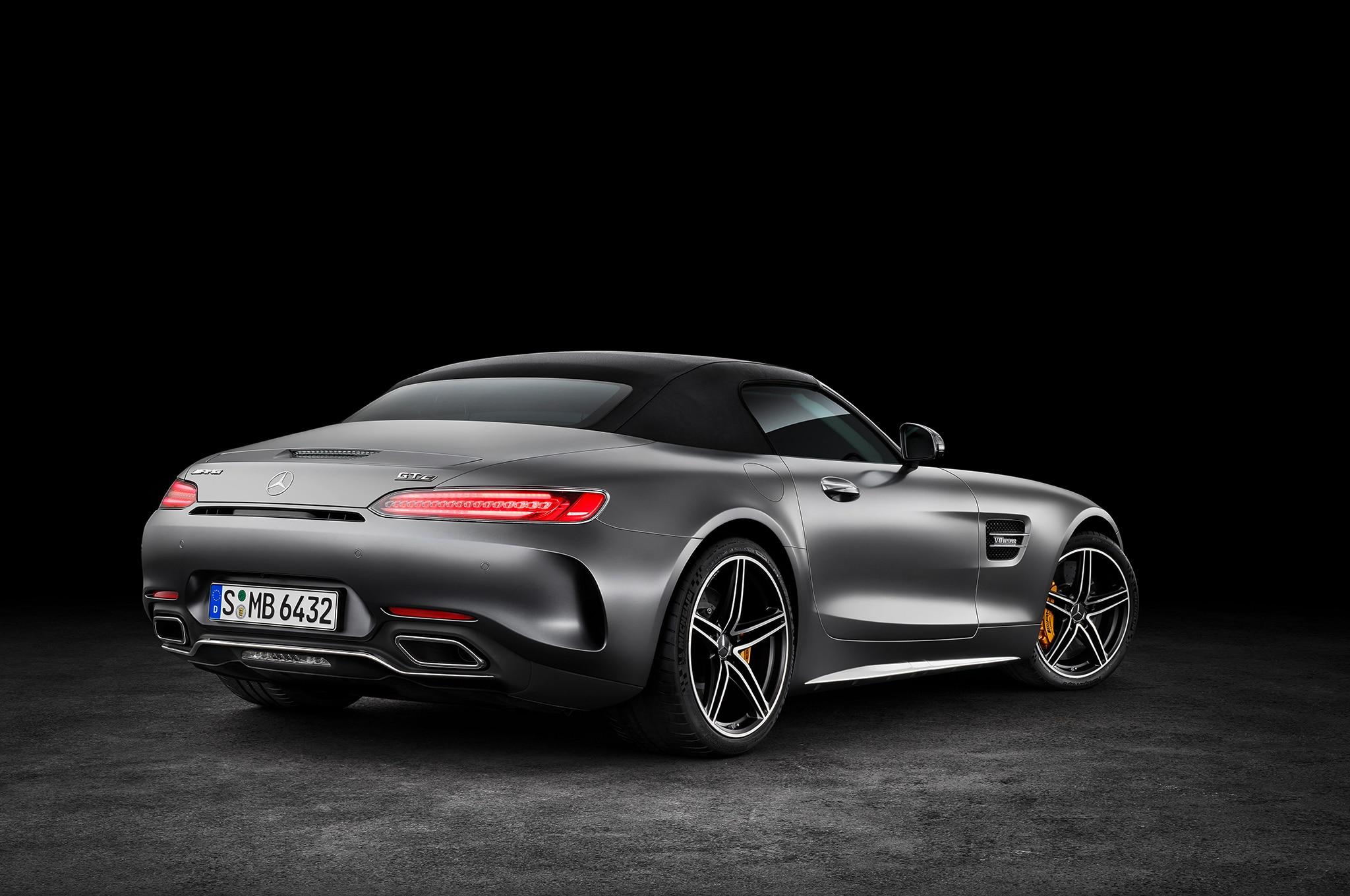 http://st.automobilemag.com/uploads/sites/10/2017/04/2018-Mercedes-AMG-GT-C-Roadster-rear-three-quarter-02.jpg