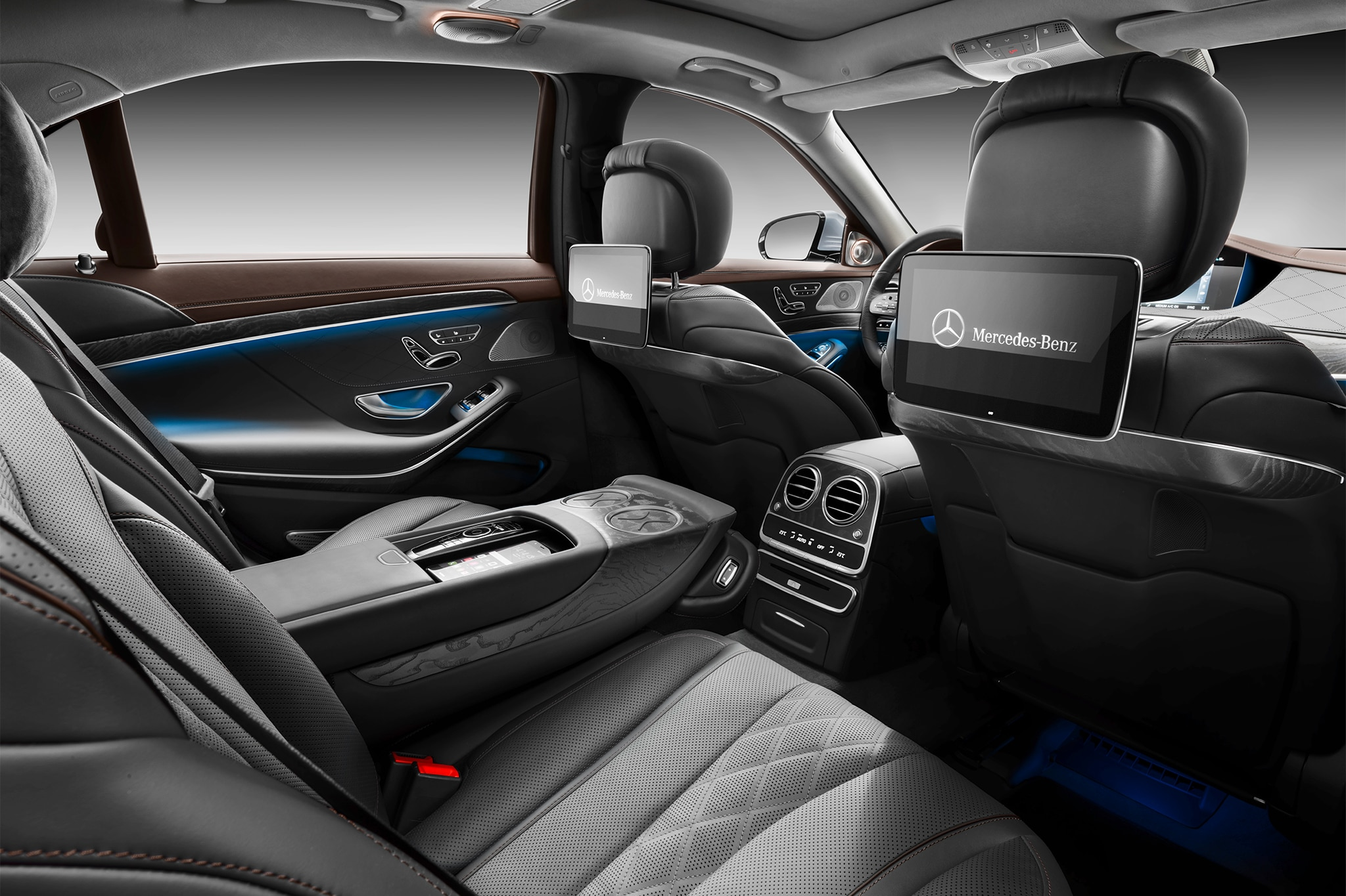 Mercedes benz b class 2018 brilliant class new 2018 for Inside mercedes benz