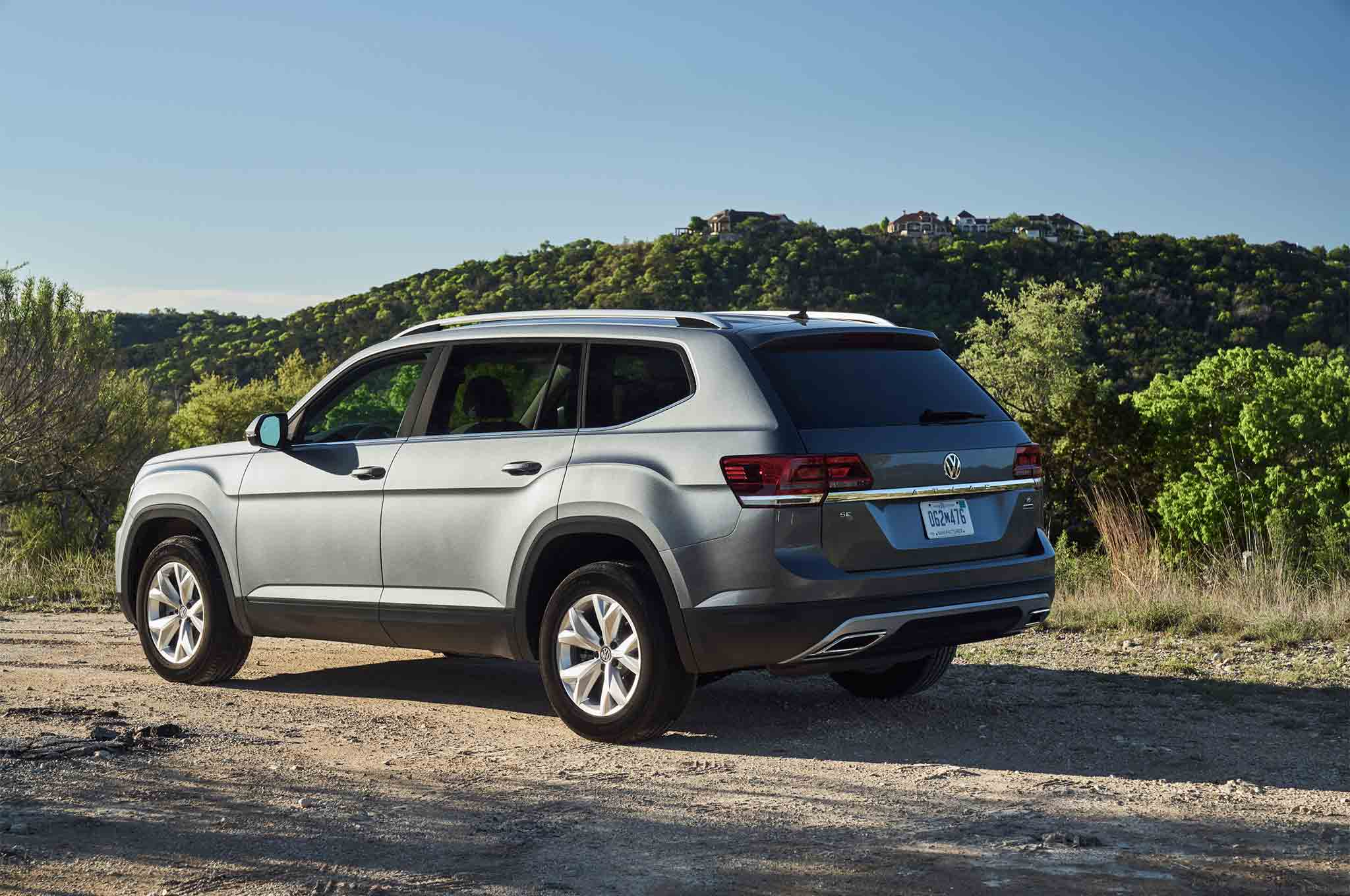 volkswagen atlas   performance package unveiled automobile magazine