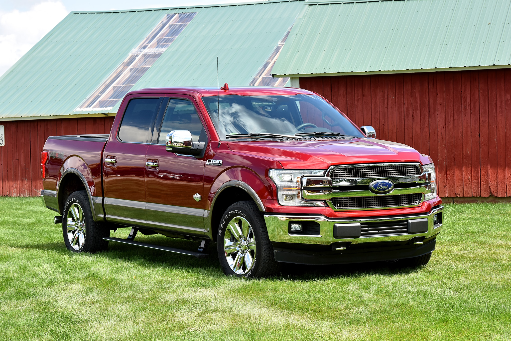 2018 ford f150 claims big numbers 13200 lbs of max. Black Bedroom Furniture Sets. Home Design Ideas