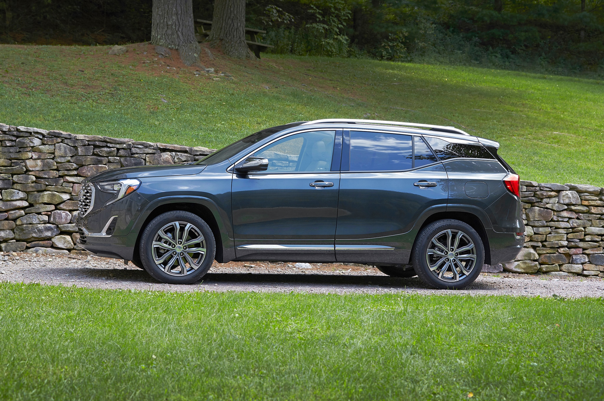 article daily and terrain reviews ratings nydn latest autos ny red review denali front quarter gmc news