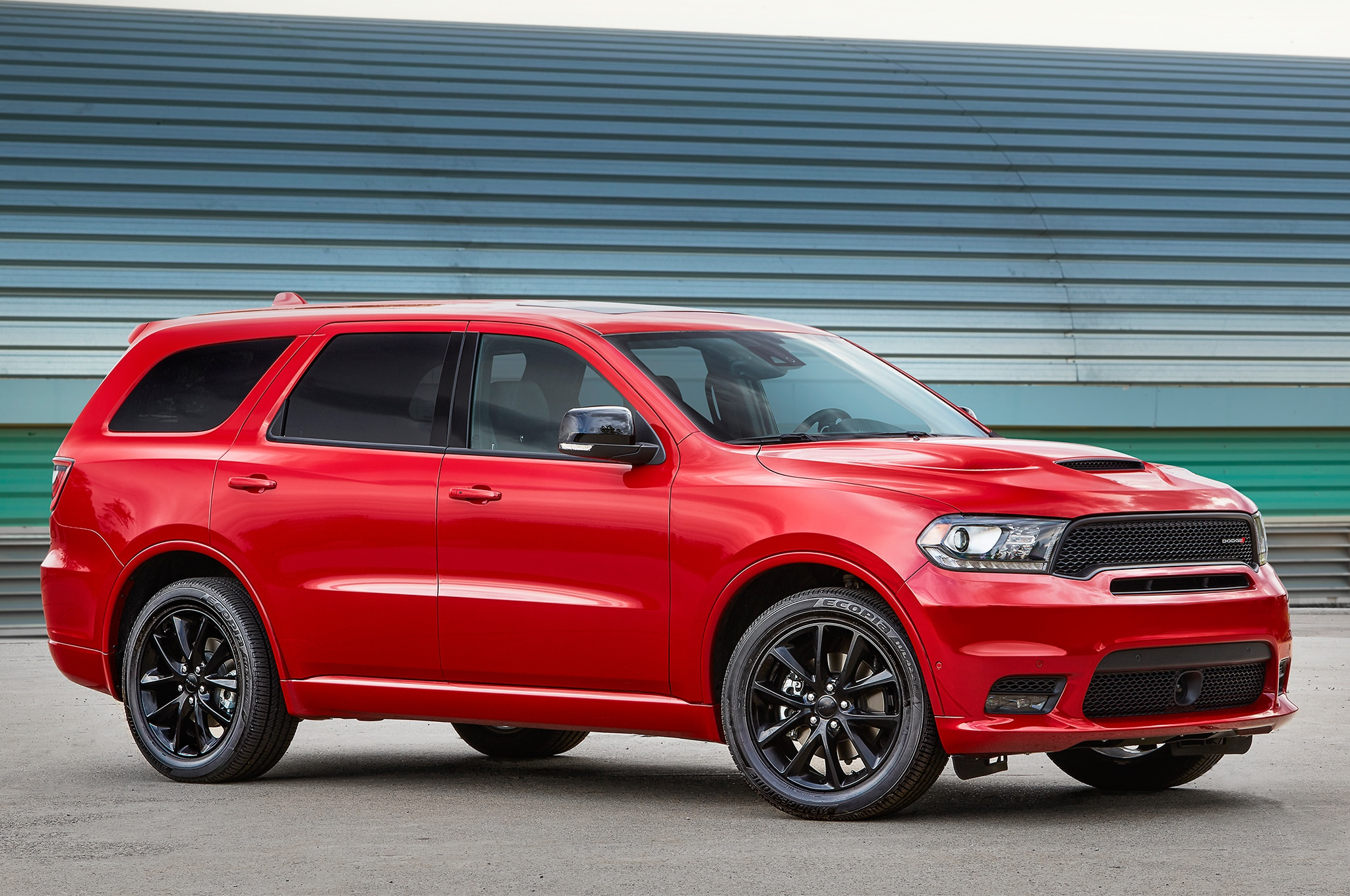 2018 dodge durango r t and srt gets stripes and more mopar. Black Bedroom Furniture Sets. Home Design Ideas