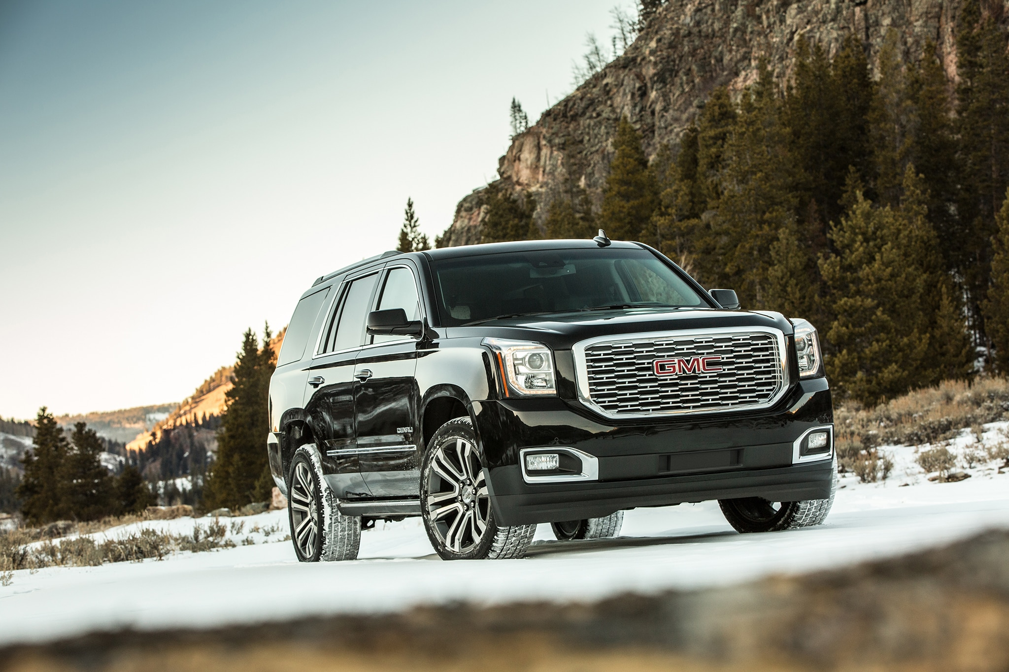 2018 Gmc Yukon Denali Ultimate Black Edition Casts Its Own