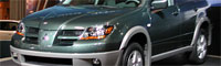 0206_nyshow_pl 2003_mitsubishi_outlander Front_right_view