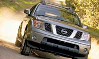 0410_pl 2005_Nissan_Frontier Front_Passenger_Side_View
