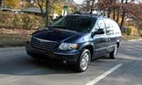 0411 Country Pl Chrysler Town Country 2005 Chrysler Town And Country Driver Side Front Corner View