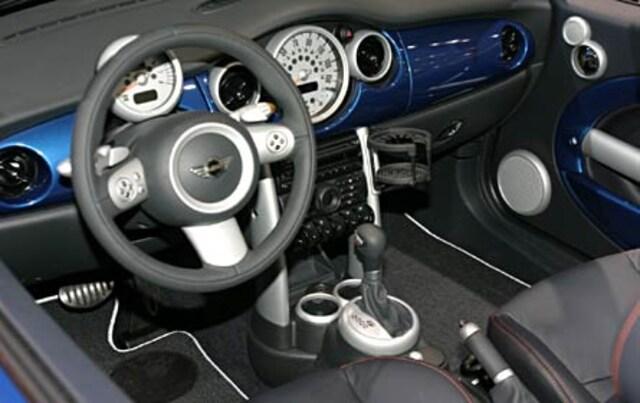 Photo 2 4 0502 Naias 02 2005 Mini Cooper S Front Interior View