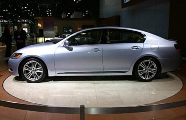 http://st.automobilemag.com/uploads/sites/11/2005/03/0505_2-2006_Lexus_GS450h_Hybrid-Drivers_Side_View.jpg?interpolation=lanczos-none&fit=around%7C640%3A400