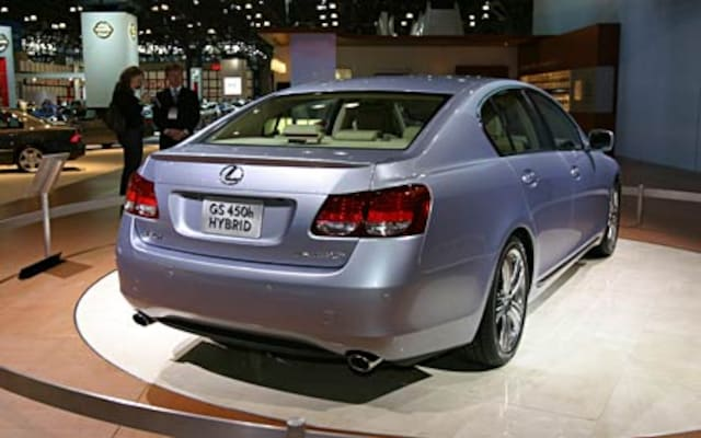 http://st.automobilemag.com/uploads/sites/11/2005/03/0505_3-2006_Lexus_GS450h_Hybrid-Rear_Passenger_Side_View.jpg?interpolation=lanczos-none&fit=around%7C640%3A400