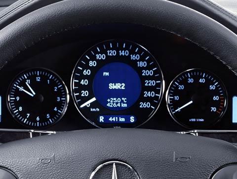 2006 MercedesBenz CLS500  Intellichoice Review  Automobile Magazine