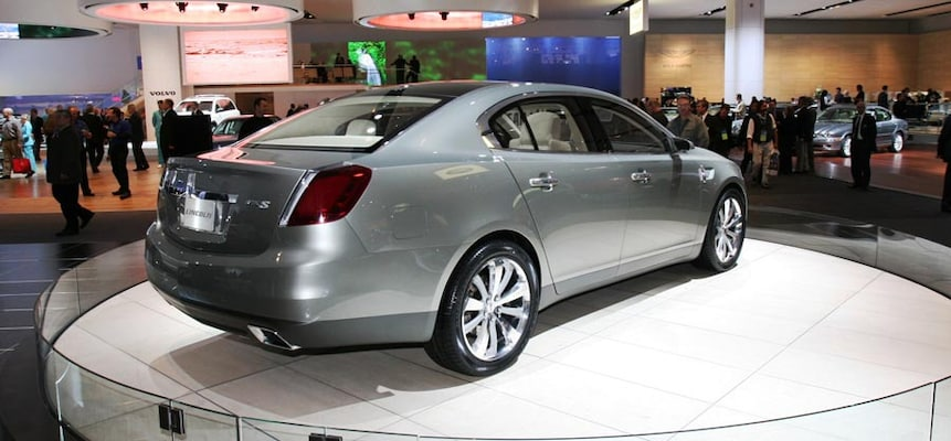 http://st.automobilemag.com/uploads/sites/11/2006/01/0601_naias_049-2007_lincoln_mks_concept-rear_side_view2.jpg?interpolation=lanczos-none&fit=around%7C640%3A400
