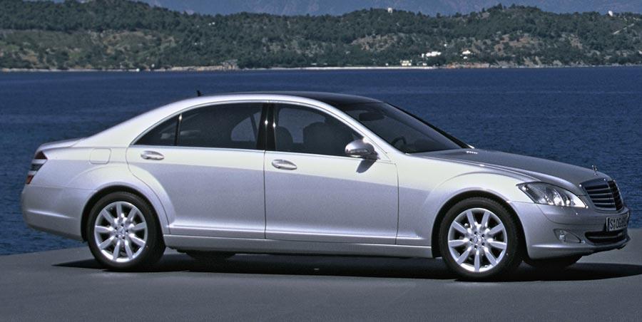 2006 mercedes benz s550 2006 detroit auto show for Mercedes benz tires cost