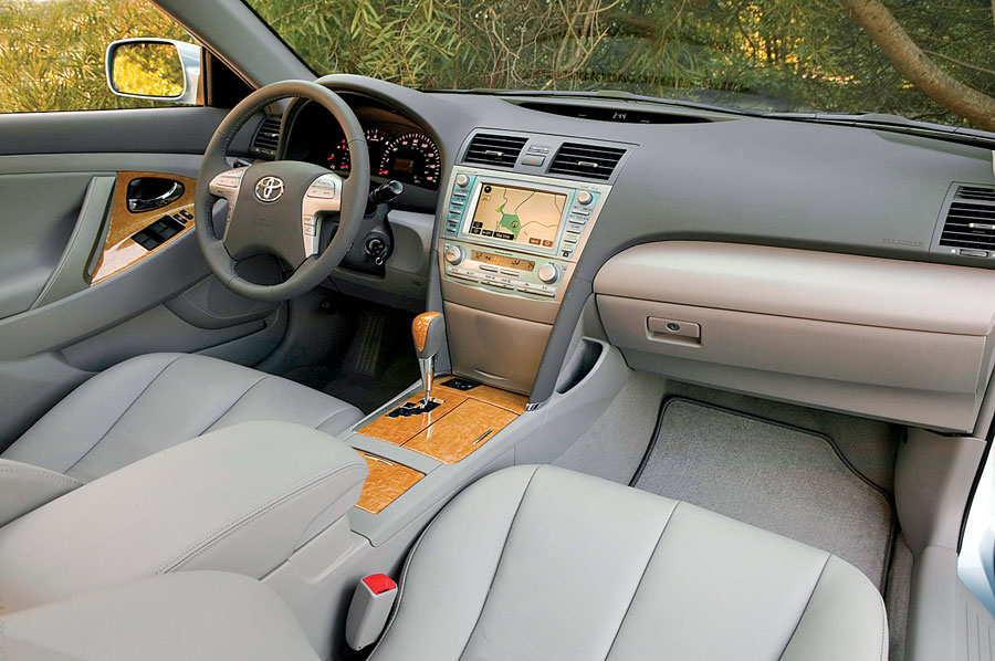 2007 toyota camry review road test automobile magazine. Black Bedroom Furniture Sets. Home Design Ideas