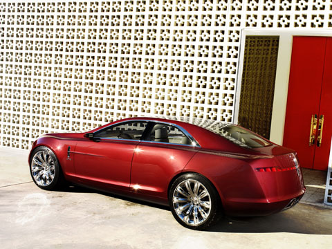 http://st.automobilemag.com/uploads/sites/11/2006/12/0701_z-2007_lincoln_mkr_concept-15.jpg