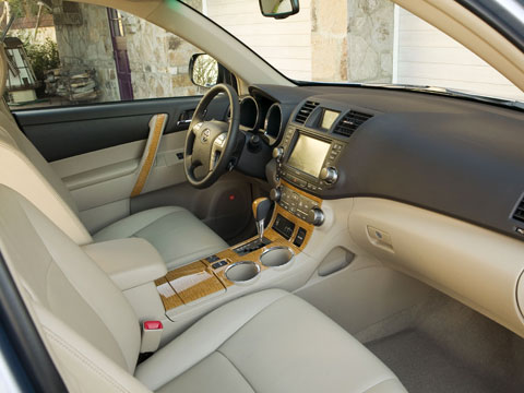 2008 toyota highlander latest news features and auto show coverage automobile magazine. Black Bedroom Furniture Sets. Home Design Ideas