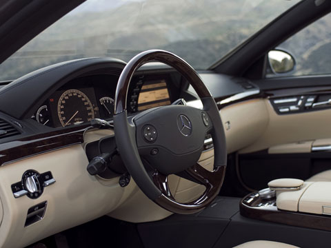 Executive Cruiser 2007 Jaguar Xj And 2007 Mercedes Benz S550 Latest News Features And Top Lists Automobile Magazine
