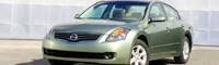 0807_01_pl 2008_nissan_altima_hybrid Front_three_quarter_view