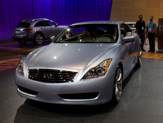 2009 infiniti g37 convertible launches just in time for. Black Bedroom Furniture Sets. Home Design Ideas