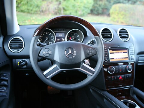 Mercedes 550 Suv >> 2009 Mercedes Benz ML550 4Matic - Mercedes Benz Midsize SUV Review - Automobile Magazine