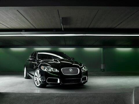 2010 jaguar xfr first drive jaguar luxury sedan review automobile magazine. Black Bedroom Furniture Sets. Home Design Ideas