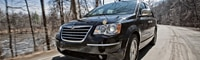 0906_01_pl 2008_chrysler_town_and_country Front_three_quarters_view