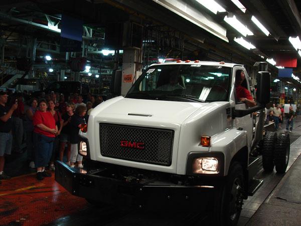 Last gm medium duty truck rolls off assembly line 23 sciox Gallery