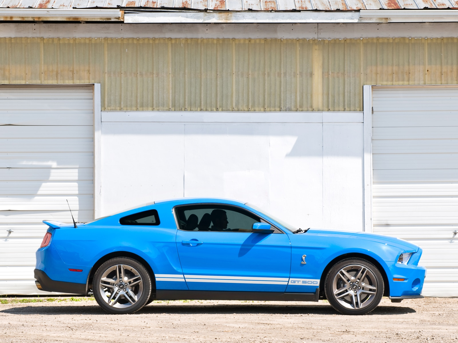 0908 01 Z 2010 Ford Mustang Shelby GT500 Coupe Profile