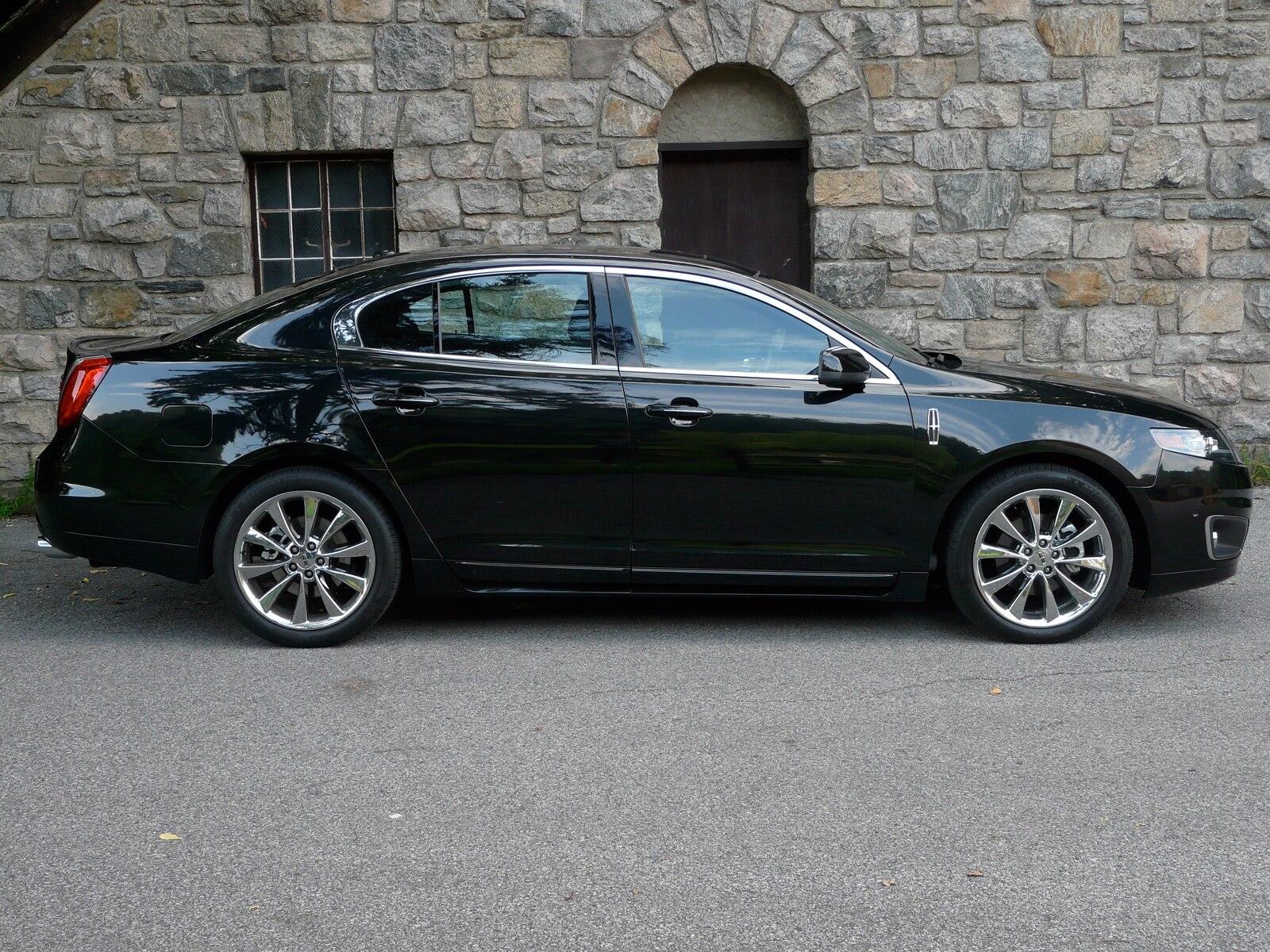 0908 07 Z 2010 Lincoln MKS Profile View