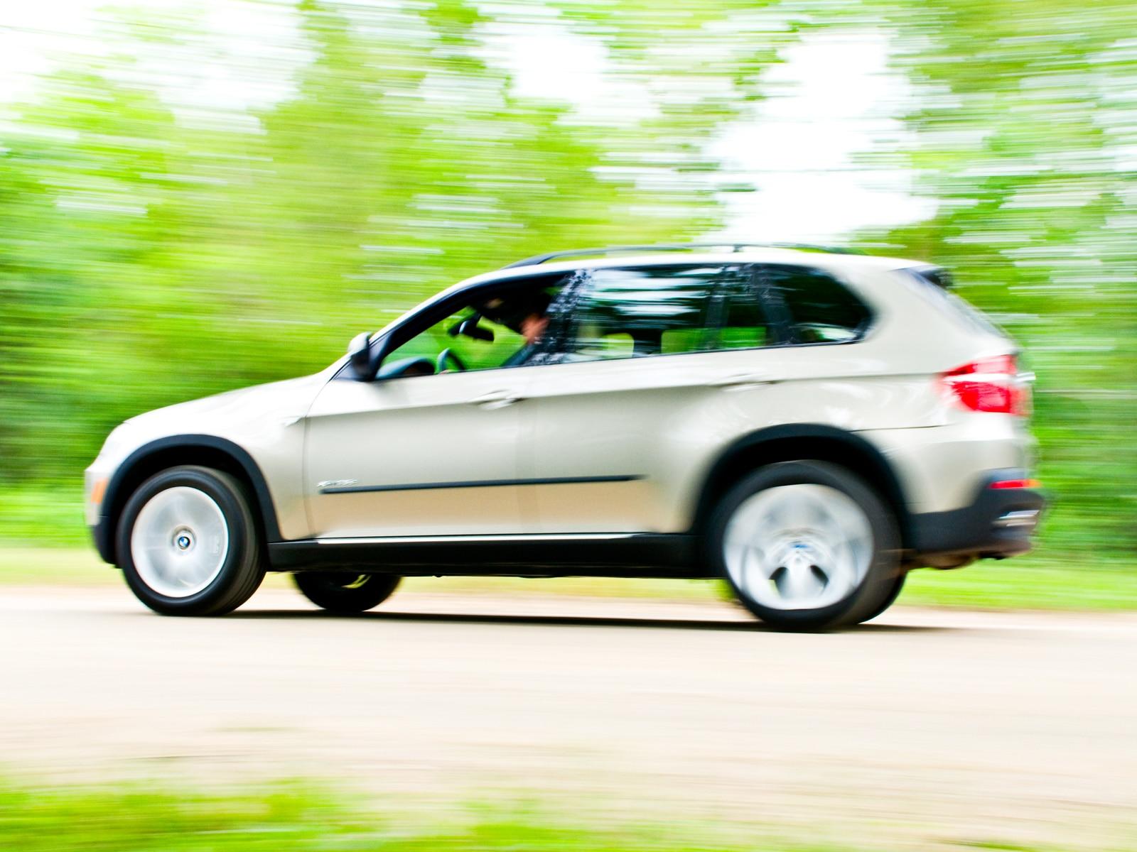 0908 09 Z 2009 BMW X5 XDrive35d Side View