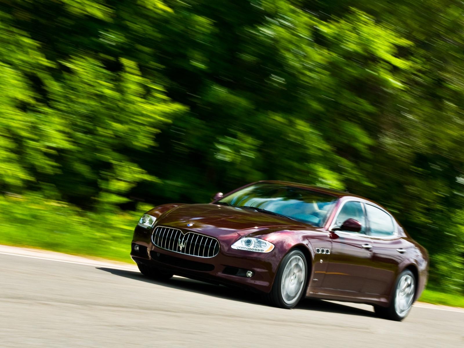 0908 24 Z 2009 Maserati Quattroporte S Front Three Quarters