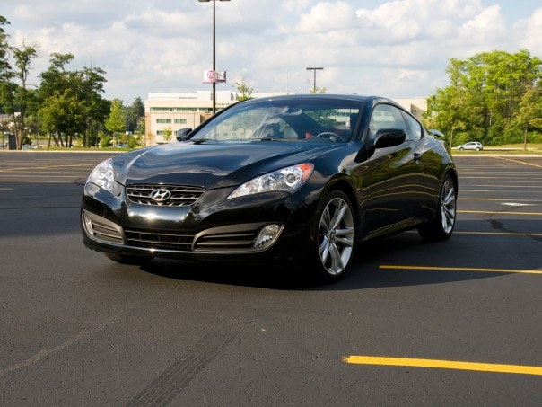 0908 02 Z 2010 Hyundai Genesis Coupe 20t Track Pack Front Three Quarter View 604x453