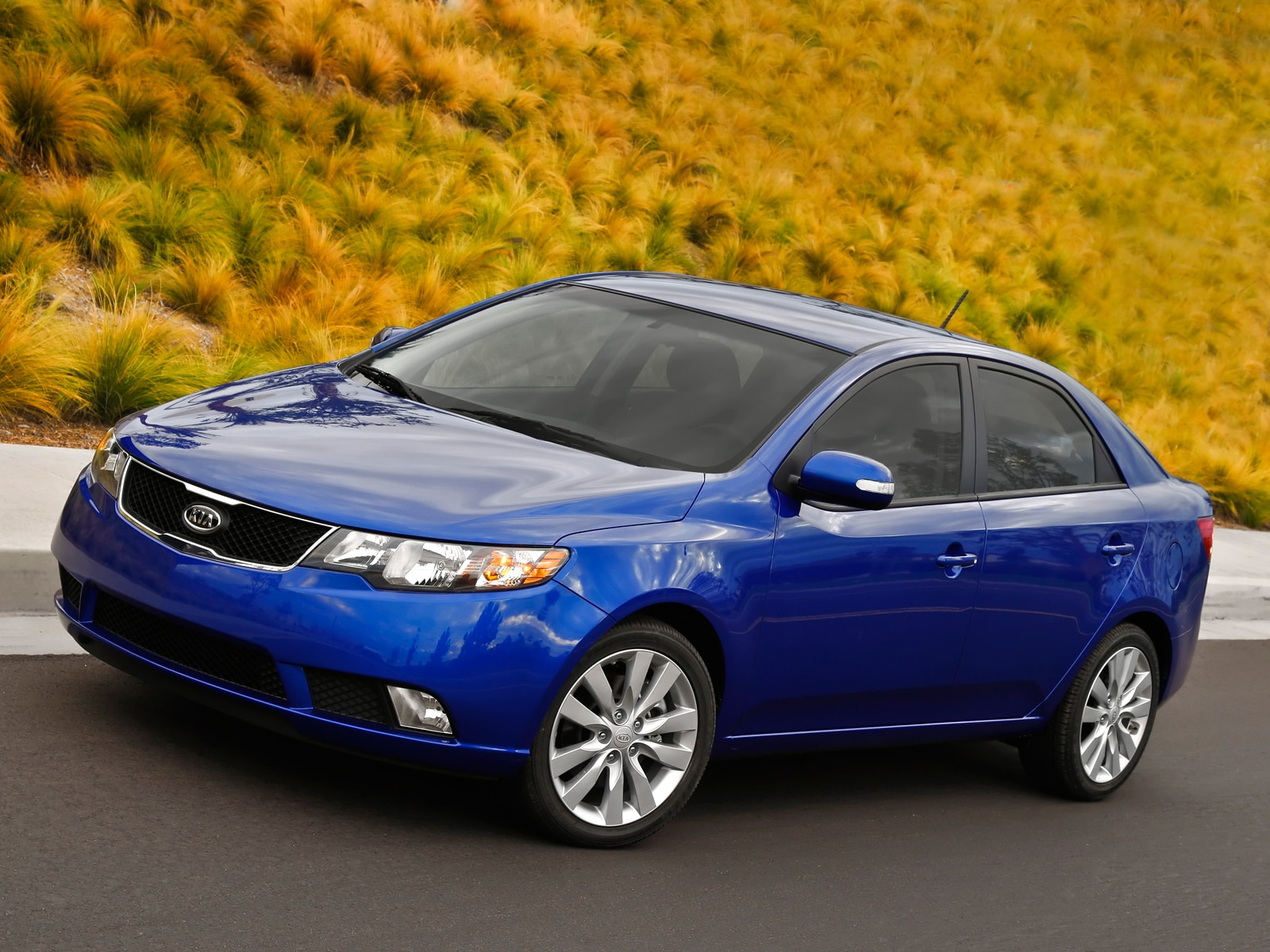 2010 Kia Forte Sx Kia Compact Sedan Review Automobile Magazine