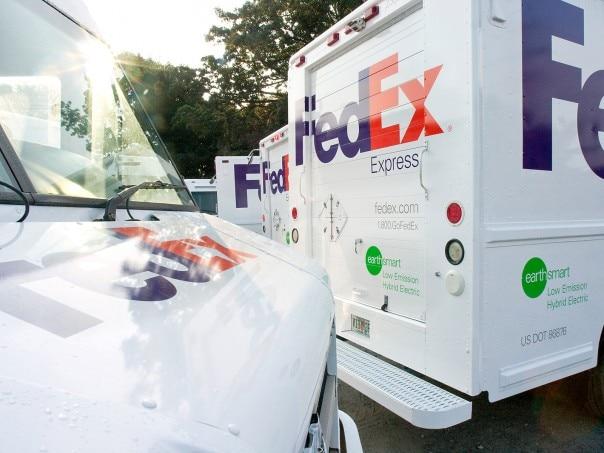 0909 01 Z FedEx Hybrid Delivery Truck 604x453