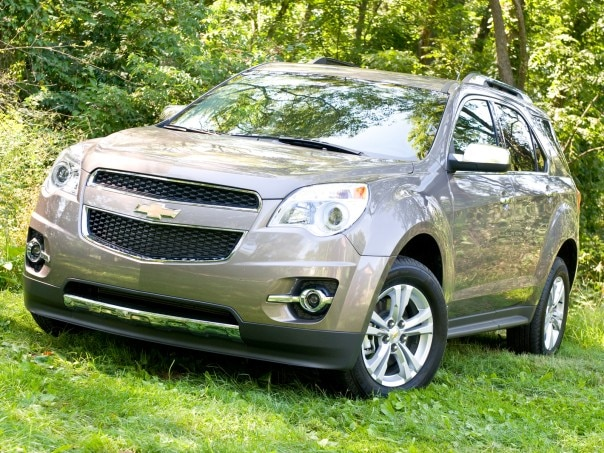0909 05 Z 2010 Chevy Equinox LTZ AWD Front Three Quarter View 604x453