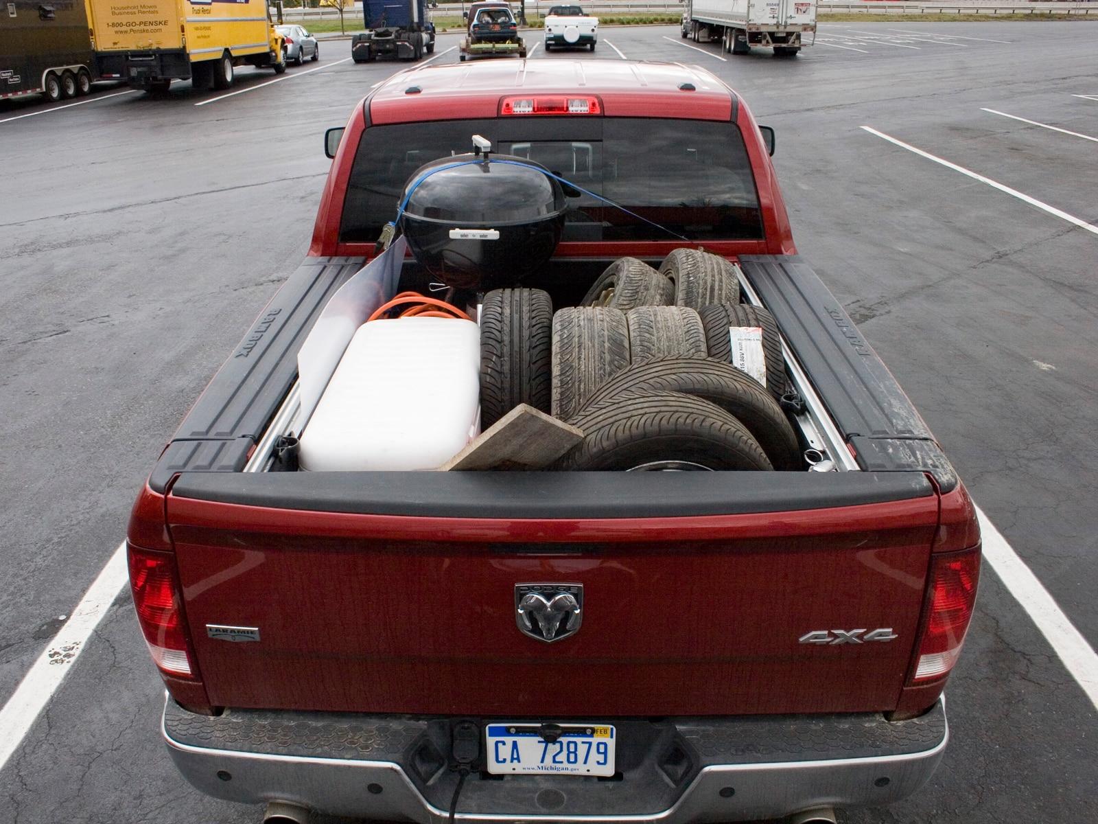 0910 03 Z 2009 Dodge Ram 1500 Rear View