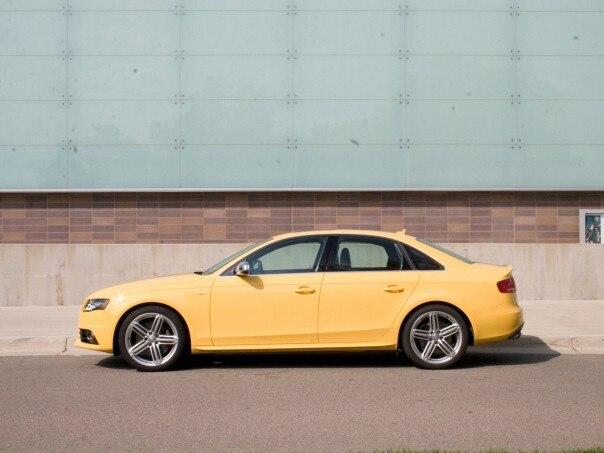 0911 01 Z 2010 Audi S4 Side View 604x453