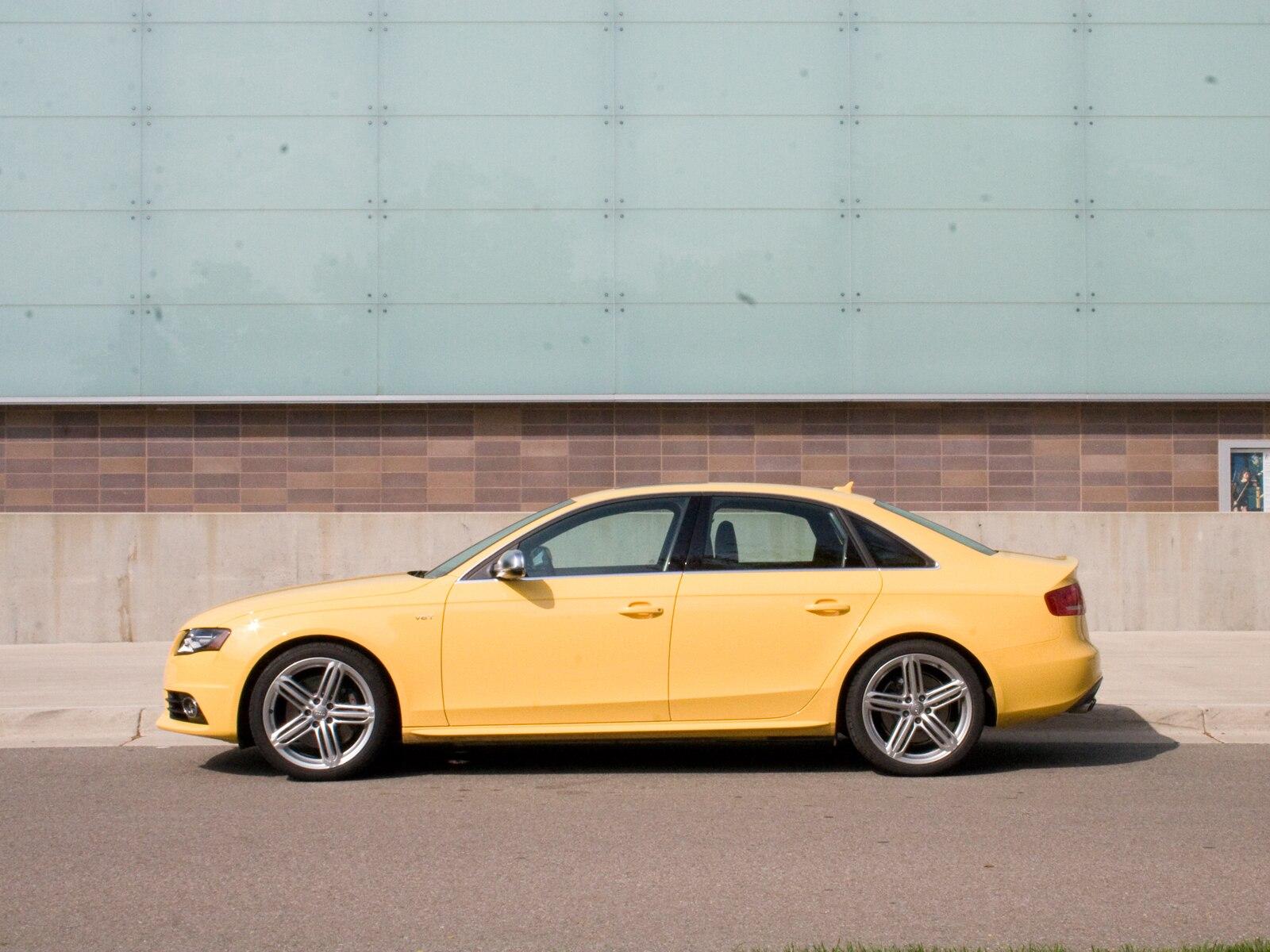 0911 01 Z 2010 Audi S4 Side View