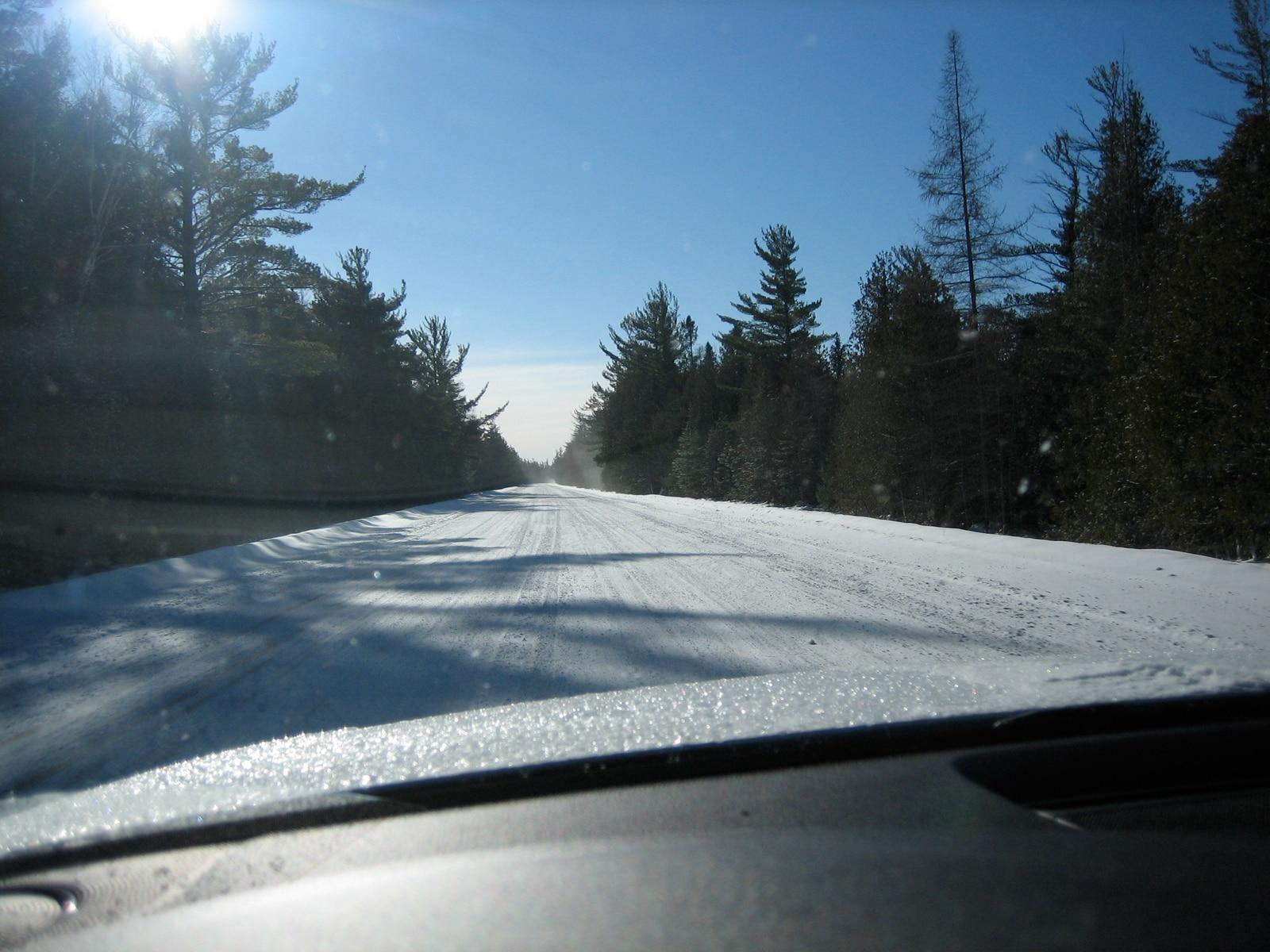 0911 01 Z Snowtires Driving On Snow