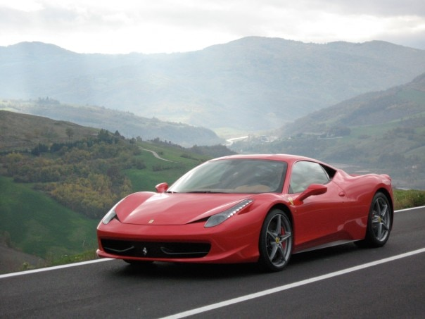 0911 02 Z 2010 Ferrari 458 Italia Front Three Quarter View 604x453