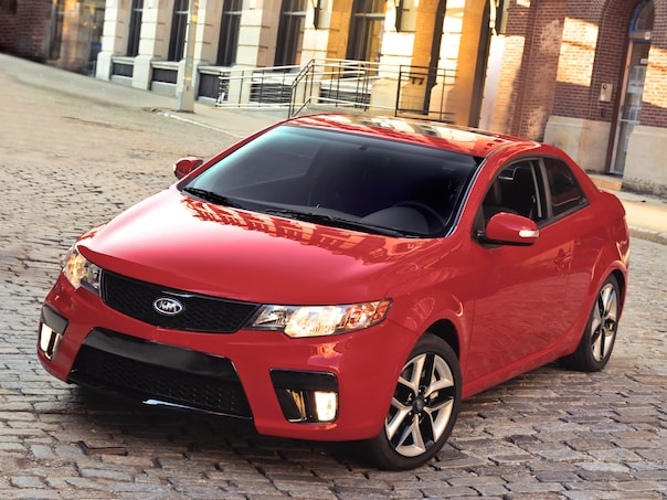 2010 kia forte koup kia compact coupe review. Black Bedroom Furniture Sets. Home Design Ideas