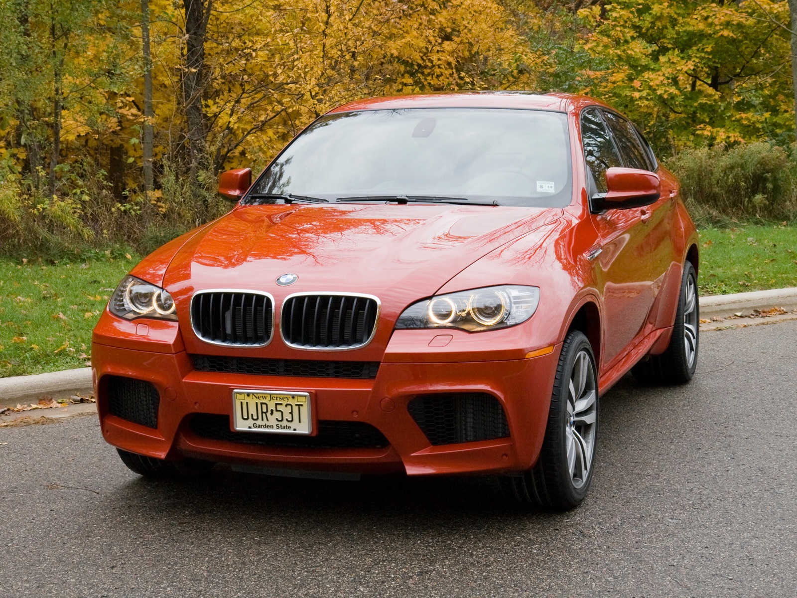 2010 bmw x6 m bmw luxury crossover suv review automobile magazine. Black Bedroom Furniture Sets. Home Design Ideas