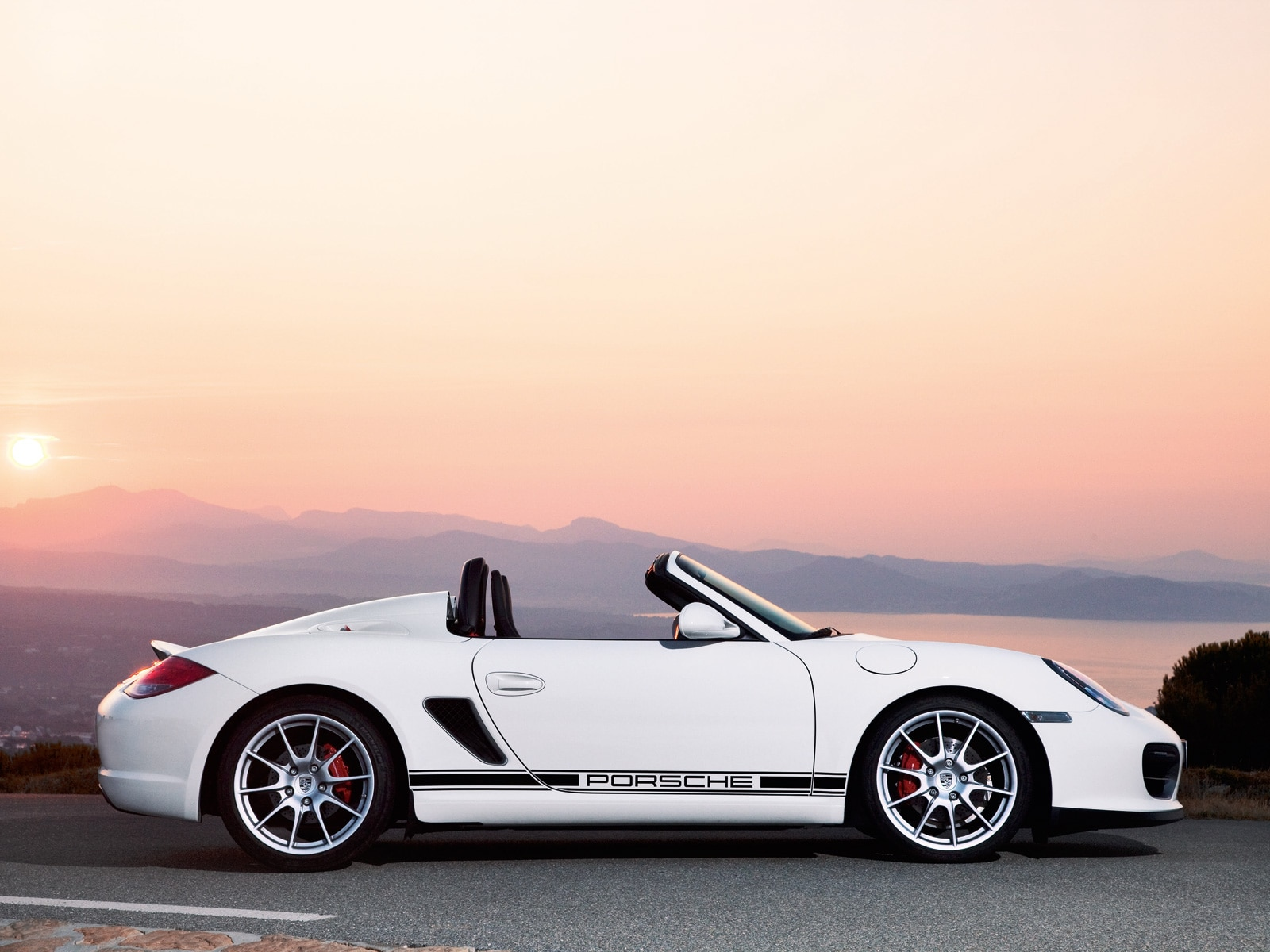 0911 06 Z 2011 Porsche Boxster Spyder Profile
