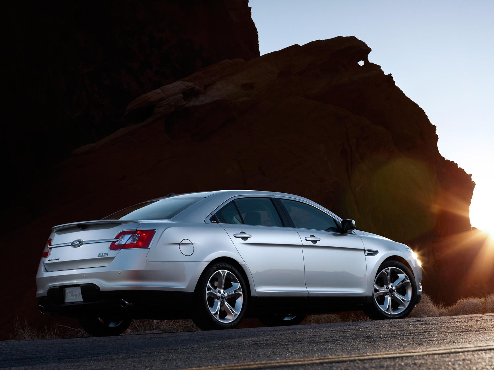 2010 ford taurus sho ford fullsize sport sedan review automobile magazine. Black Bedroom Furniture Sets. Home Design Ideas
