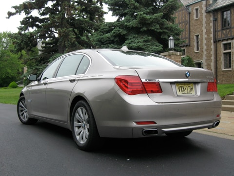 0906 02 Z 2009 BMW 750Li Rear Three Quarters View