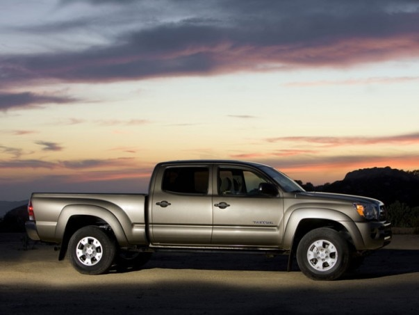 0912 03 Z 2009 Toyota Tacoma Double Cab 4x4 V6 SR5 TRD Side View 603x453