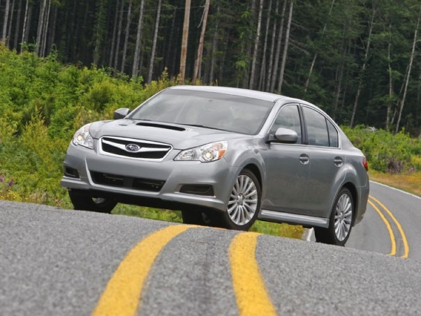 0912 03 Z 2010 Subaru Legacy 25GT Limited Front Three Quarter View 603x453